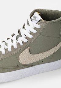 Nike Sportswear - BLAZER MID - Baskets montantes - olive - 7