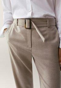 Massimo Dutti - Pantalon classique - beige - 3