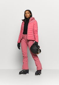 Brunotti - JACIANO WOMEN SNOWJACKET - Snowboard jacket - pink grape