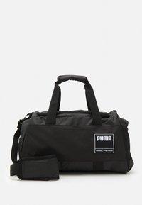 Puma - GYM DUFFLE S UNISEX - Sportovní taška - black - 0