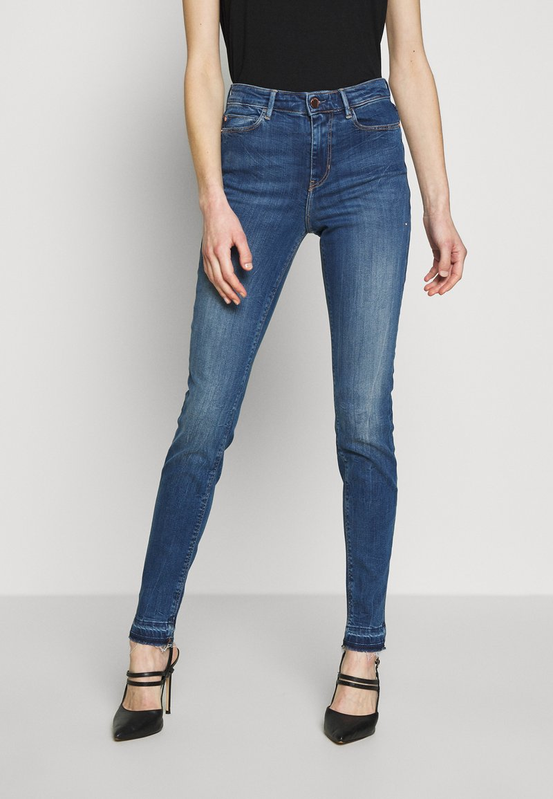 Guess - 1981 - Jeans Skinny Fit - eco feather mid