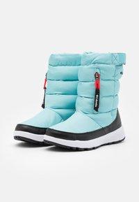 Columbia - PANINAROOMNI HEATPULL ON - Zimní obuv - aquatint/poppy red - 1