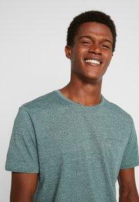 Esprit - PEACH GRINDL  - Basic T-shirt - dusty green - 4