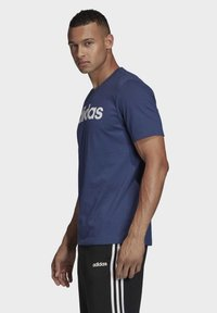 adidas Performance - ESSENTIALS LINEAR LOGO T-SHIRT - T-shirts med print - blue - 3