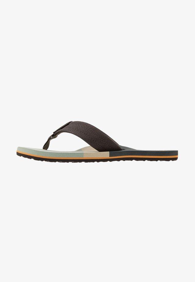 TRI WATERS - Sandály s odděleným palcem - grey/green