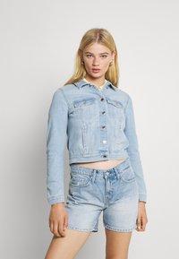 Vero Moda - VMFAITH SLIM JACKET - Denim jacket - light blue denim - 0