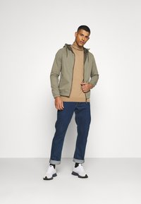 Jack & Jones - JJCRAMER JACKET - Tunn jacka - dusty olive - 1
