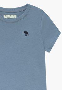 Abercrombie & Fitch - CURVED - Jednoduché triko - faded denim - 3
