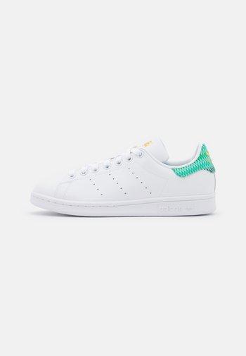 STAN SMITH - Zapatillas - footwear white/green/gold