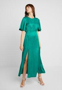 Topshop - AUSTIN - Długa sukienka - green - 0