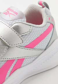 Reebok - XT SPRINTER - Zapatillas de running neutras - silver/grey/pink - 2
