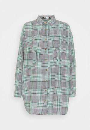 OVERSIZED DRESS CHECK - Shirt dress - green