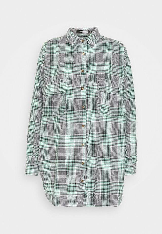 OVERSIZED DRESS CHECK - Blusenkleid - green