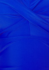 Pour Moi - SANTA MONICA STRAPLESS CONTROL SWIMSUIT - Swimsuit - ultramarine - 4