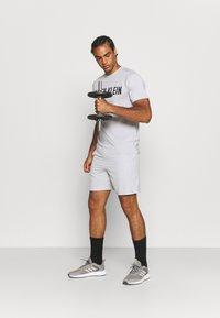 Calvin Klein Performance - SHORTS - Korte broeken - antique grey - 1