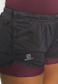 Salomon - AGILE 2IN1 SHORT  - Shorts - black/winetasting - 4