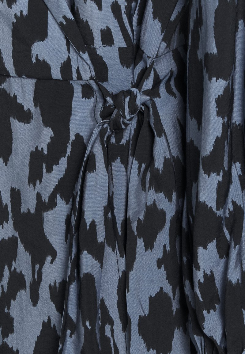 Object OBJMARCELA SHORT WRAP DRESS - Freizeitkleid - blue mirage/black/blau B3nnJr