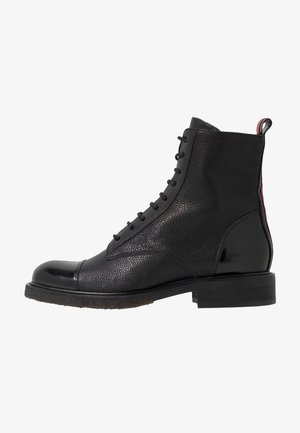 Lace-up ankle boots - black/red