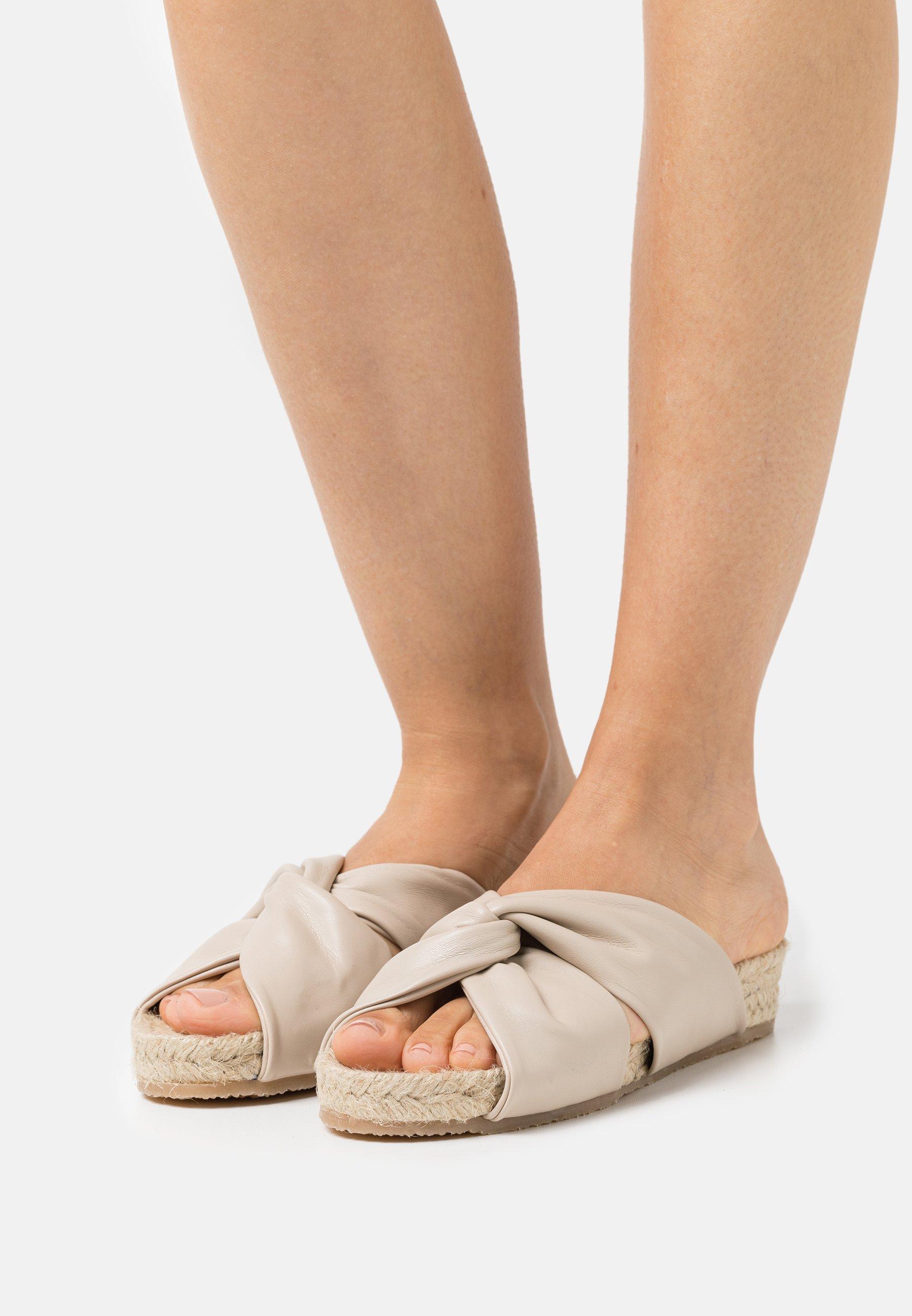 Damen LEDA - Pantolette flach