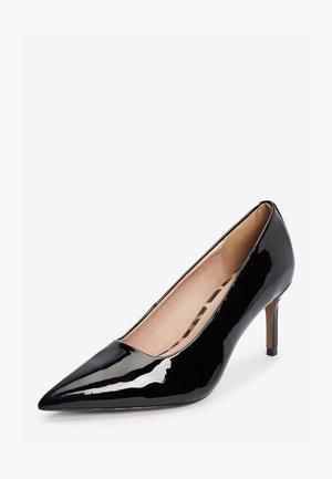 BLACK PATENT COURT SHOES - Classic heels - black