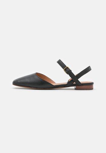 CECILIA FLAT  - Sandaler - black