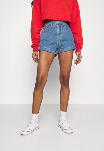 MOM LINE  - Shorts di jeans - light blue denim