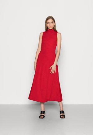 Day dress - garnet red