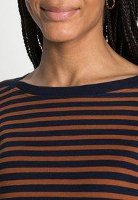 TOM TAILOR DENIM - INTERLOCK WITH CONTRAST NECK - Long sleeved top - blue/brown - 4