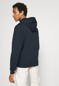 Jack & Jones - JORBRINK HOOD - Sweatshirt - navy blazer - 2