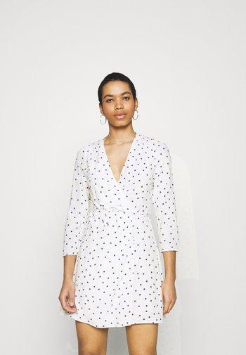 BRITT WRAP DRESS - Day dress - clematis