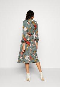 ONLY - ONLELEONORA SMOCK DRESS - Freizeitkleid - balsam green - 2