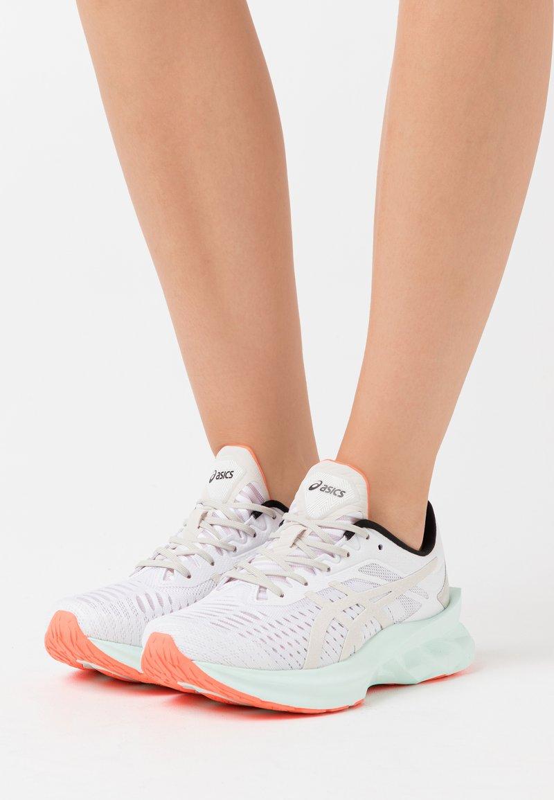 ASICS SportStyle - NOVABLAST SPS - Sneakers - white/midnight