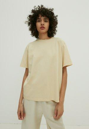 CHARLI - Basic T-shirt - beige