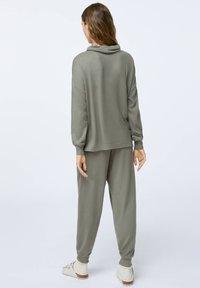 OYSHO - Pyjama top - khaki - 1