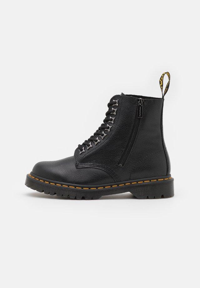 1460 PASCAL ZIP 8 EYE BOOT UNISEX - Veterboots - black
