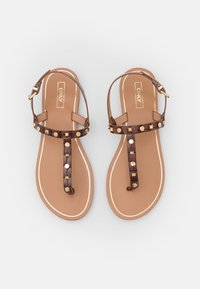 ONLY SHOES - ONLMELLY STRUCTURE STUD  - Japonki - brown - 5