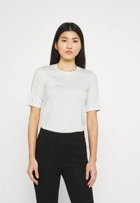 Stylein - CHAMBERS - Jednoduché triko - white - 0