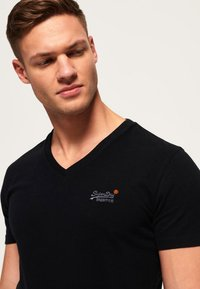 Superdry - VINTAGE  - T-shirt basic - black - 3