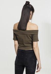 Urban Classics - LADIES OFF SHOULDER CROSS - Basic T-shirt - olive - 1