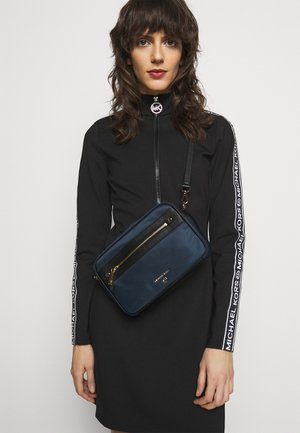 JET SET CROSSBODY - Across body bag - navy