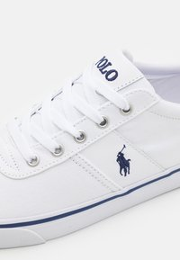 Polo Ralph Lauren - HANFORD TOP LACE - Sneakers basse - white/navy - 5