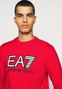 EA7 Emporio Armani - Sweatshirt - racing red - 5