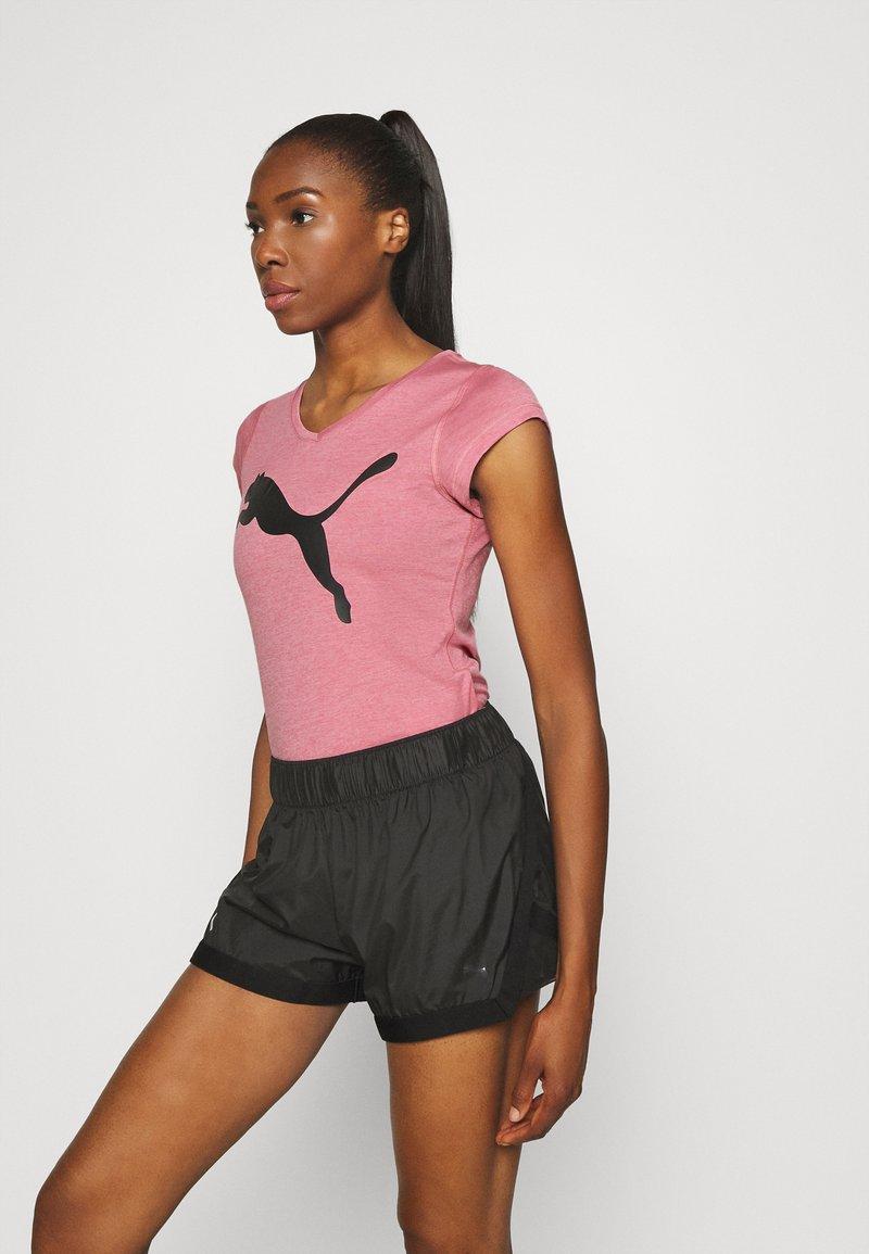 Puma - HEATHER CAT TEE - T-Shirt print - foxglove heather