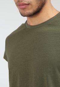YOURTURN - Basic T-shirt - oliv - 3