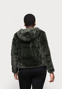 ONLY Carmakoma - CARCHRIS HOODED JACKET - Light jacket - dark green - 2