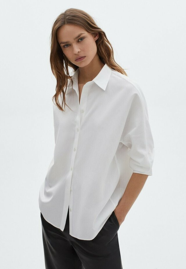 MIT RIPPENMUSTER  - Button-down blouse - white