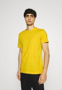 Pier One - 5 PACK - T-shirt basic - green/grey/yellow - 4