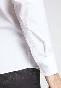 Bertoni - GUSTAV - Formální košile - white - 3
