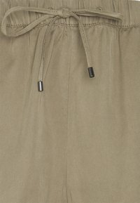 edc by Esprit - PULL ON - Shorts - light khaki - 2