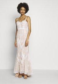 Jarlo - EZRIA - Společenské šaty - ivory - 0